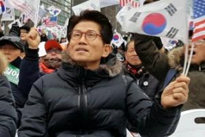 """김문수, 문재인·안희정에 """"이재용 비판할 양심 있나"""""""