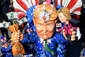 [포토] 니스 카니발에 등장한 트럼프와 힐러리 인형