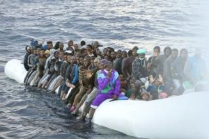 지중해 난민 구조선 늘렸는데… 작년 역대 최대 4579명 익사