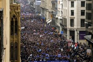 """""""난민 더 수용하라"""" 스페인 시민 수십만명 시위"""