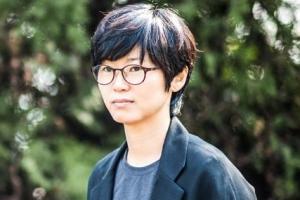 """""""뒤틀린 자화상…우스꽝스러운 삶의 민낯과의 조우"""""""