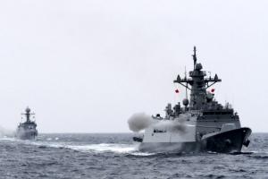 동해상 실전 사격훈련