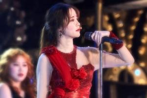 '구혜선 카바레 무대에'…창백한 피부 붉은 드레스