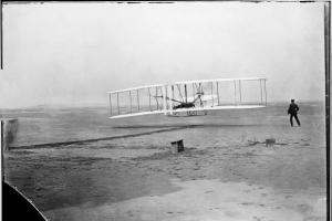 실패를 이겼다 인류 첫 비행 '위대한 12초'