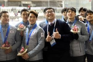 [아시안게임] 남자 아이스하키, 은메달로 역대 최고 성적