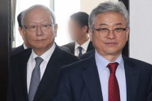 [서울포토] 이철우 정보위원장-이병호 국정원장, 나란히 입장
