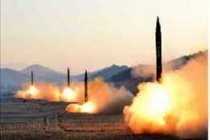 북한 미사일 4발 5초 간격 연속 쐈는데…군 당국, 발사 2분 뒤에야 알았다
