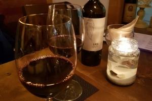 [유용하 기자의 사이언스 톡] 치매 막아주는 와인, 3잔 넘으면  '독 '