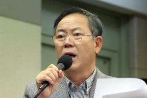"""김평우 변호사 """"박근혜 전 대통령은 잔 다르크, 순교자"""""""