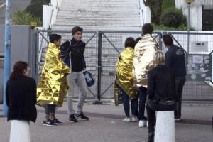 몸 던져 총기 난사 참극 막은 프랑스 고등학교 교장