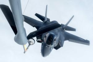 美, F-35B 공중급유 성공…한반도 작전반경 확대(영상)