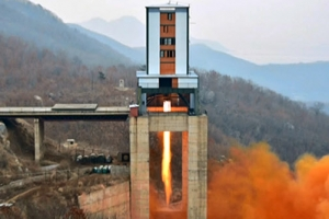 北, '美 본토 사정권' 신형 ICBM 엔진 완성 단계 들어갔나