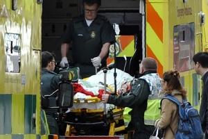 #우린 두렵지 않다… 영국의 反테러 물결