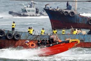 창단 앞둔 서해5도 특별경비단, 불법 조업 단속 훈련