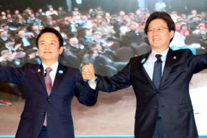 """[대선 D-46] 劉 """"국회를 세종시로"""" 南 """"靑·행정부도 이전"""""""