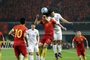 한국, 중국에 0-1로 뒤진 채 전반 종료…위다바오, 선제 헤딩골