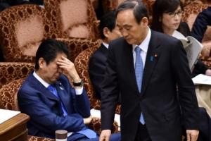 '아키에 스캔들' 위기의 아베