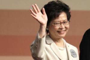 우산혁명 강제 해산시킨 '철의 여인'… 홍콩 첫 '女대통령'으로