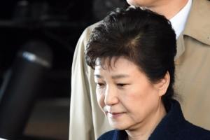한국당 '유감', 야권 '당연한 결정'…박 전 대통령 영장청구에 온도차(종합)