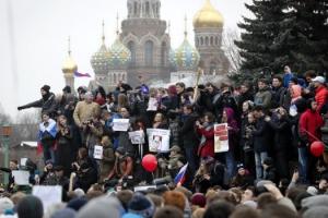"""""""푸틴 탄핵"""" 러 대규모 反정부 시위… 500여명 체포"""