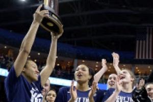 """[NCAA] 코네티컷대학 다섯 시즌 연속 챔피언에 """"단 두 걸음"""""""