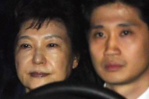 박근혜 구속, 서울구치소 도착…올림머리 풀고 '머그샷' 찍고 입소 절차는?