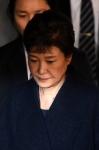 박근혜-최순실 함께 재판받…