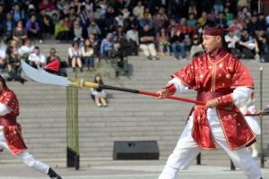 [서울포토] 의장대원들이 펼쳐 보이는 전통무예시범