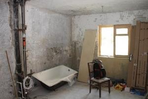 [장은석 기자의 호갱 탈출] 공사 뒤 갈라진 벽, 1년 내엔 무상 수리