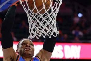 [NBA] '시즌 평균 트리플더블러' 웨스트브룩 경기 뒤 슛 연습한 이유