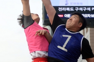 현역 장교 울린 '직장인 리그 실력파'