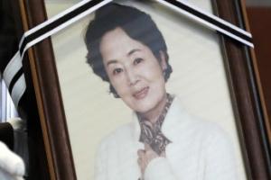 '불꽃같이 살다간 배우' 김영애 영면하다…애도 속 발인