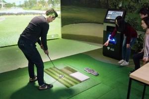 [골프 특집] 골프존파크, 필드에서 치는 듯…생생한 '투비전' 시스템