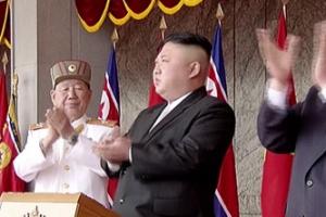 """국정원이 은밀히 조사한 김정은의 IQ...""""여친에 전화로 상소리도"""""""