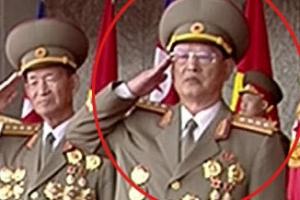 '숙청설' 北 김원홍, 열병식서 모습 드러내…수척한 모습