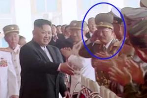 숙청설 김원홍 건재… 김정은 인사 받고 '안절부절'
