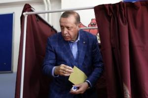 터키 에르도안 '21세기 술탄'?… 2029년까지 집권 길 열리나