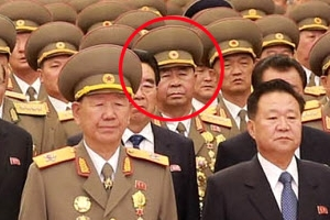 북핵개발 실세 리병철 '육군대장' 칭호…군복차림 등장