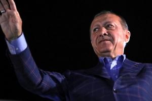에르도안  '무소불위 술탄'… 과거로 간 터키