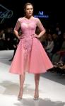 봄에는 핑크 드레스