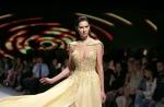 아름다운 드레스… 아름다…
