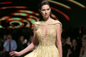 [포토] 아름다운 드레스… 아름다운 모델