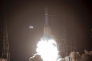 中 첫 화물우주선 발사 성공
