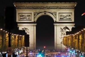 """""""파리 테러범은 39세 프랑스 국적 남성"""""""
