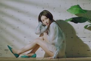 [뮤직뷰!] 연습생의 고뇌, 아이오아이의 추억…김청하 '월화수목금토일'