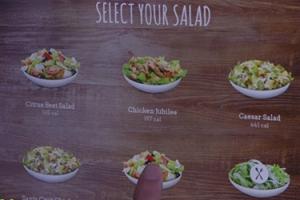 샐러드 만들어주는 로봇 '샐리' 공개…가격은 3천400만원