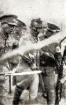 일본군에 연행되는 윤봉길…