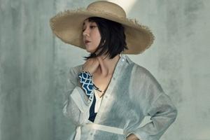 스릴러 퀸으로 돌아온 김윤진, 반전 매력 발산