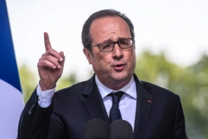 """올랑드 프랑스 대통령, 마크롱 지지 선언…""""극우세력은 국가분열·자유침해"""""""