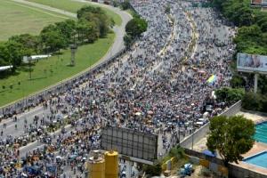 [포토]베네수엘라 반정부 시위 한달 … 사망자 23명으로 늘어